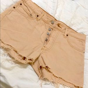 Levi light pink shorts